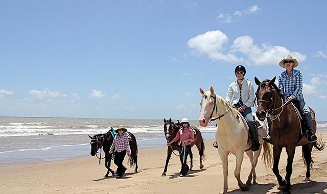 Montar a caballo y descubrir la región