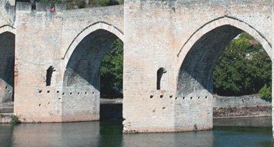 Arcos del Puente Valentré en el Lot