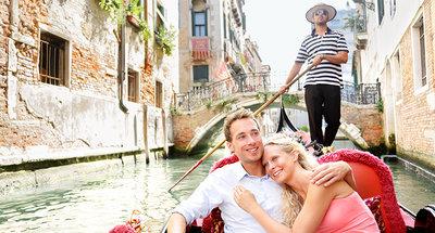Disfruta de un paseo en gondola en Venecia
