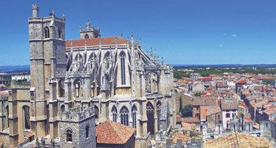 Catedral a lo largo del Canal du Midi