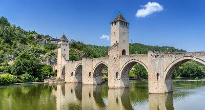 Puente Valentré en Cahors, Río Lot
