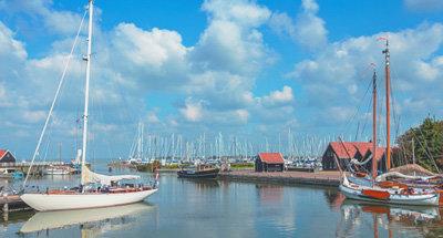 Barcos en un lago en Holanda