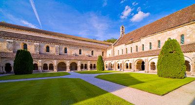 Abadía Fontenay en Montbard