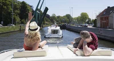 Relax al sol en las vías navegables belgas