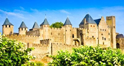 Ciudad Medieval de Carcassonne cerca del Canal du Midi