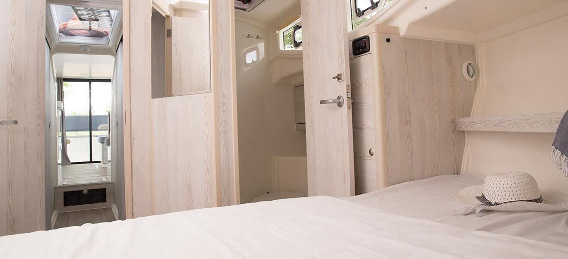 Cabina principal y cuarto de baño del Horizon 3