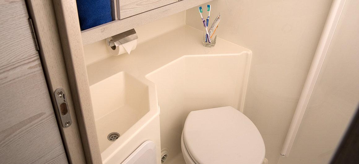 Cuarto de baño de la cabina principal del Horizon 4