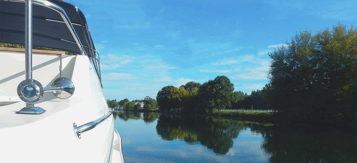 Barco Le Boat en el Río Charente