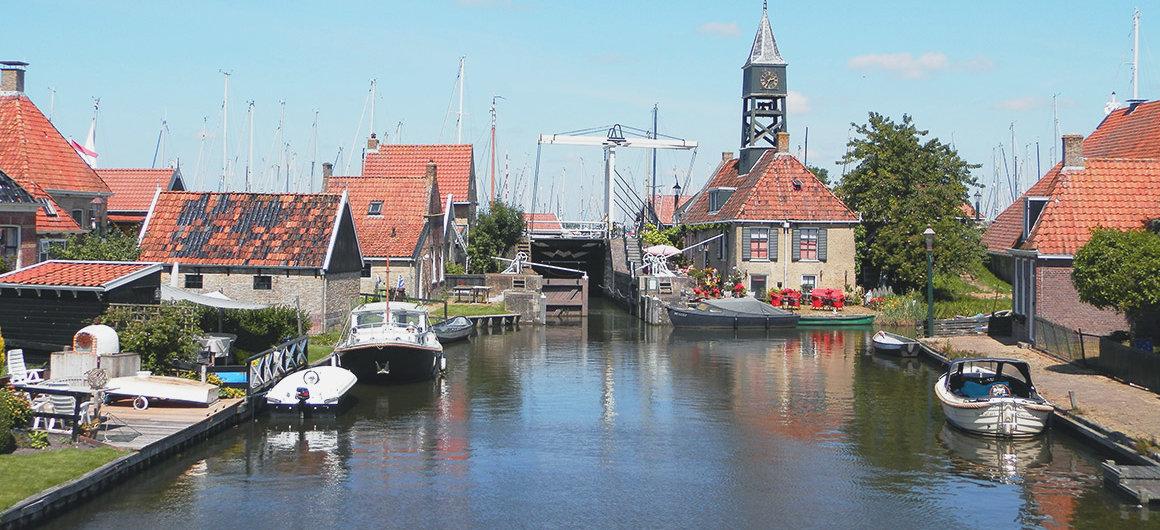 Esclusa en Hindeloopen, Países Bajos
