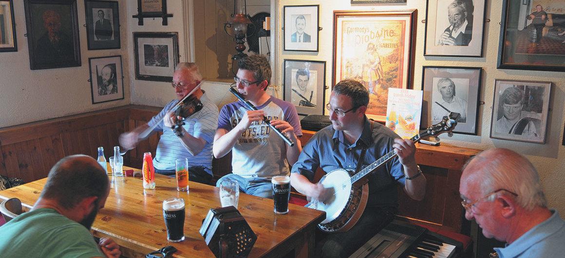 Pub Larkin, Garrykennedy, Irlanda