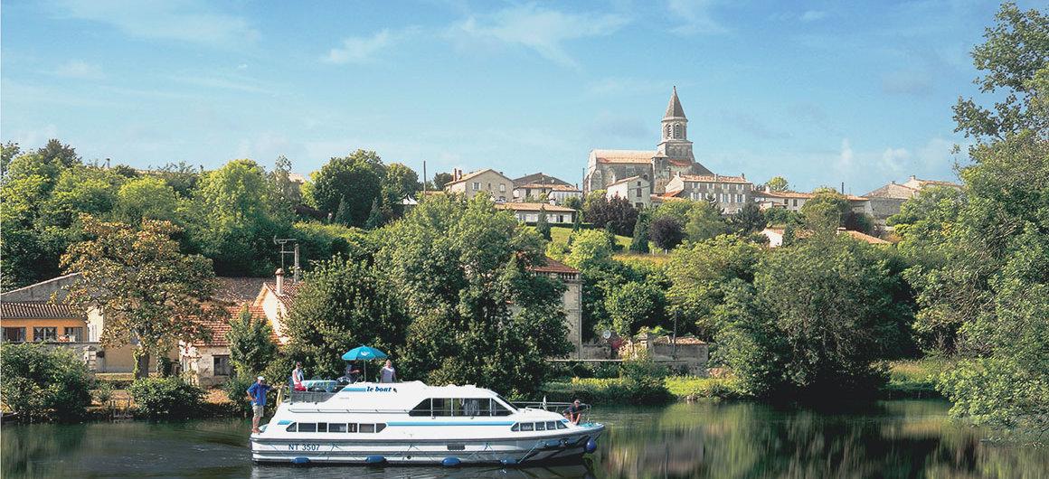 Le Boat en Saint-Simeux