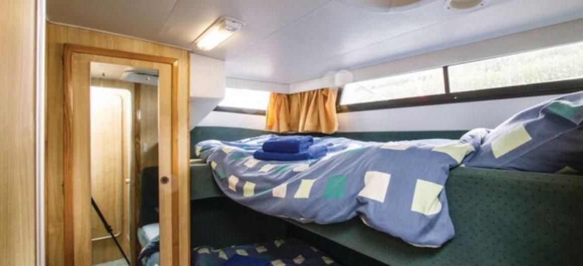 Royal Star WHS - cabina trasera - literas