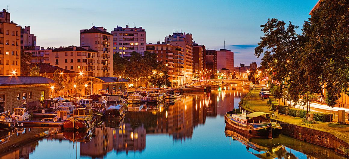 Ribera por la noche en el Canal du Midi, Toulouse