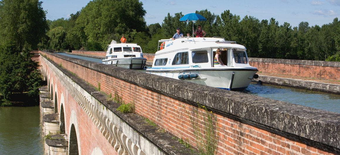 Puente-Canal del Cacor cerca de Moissac, Aquitania