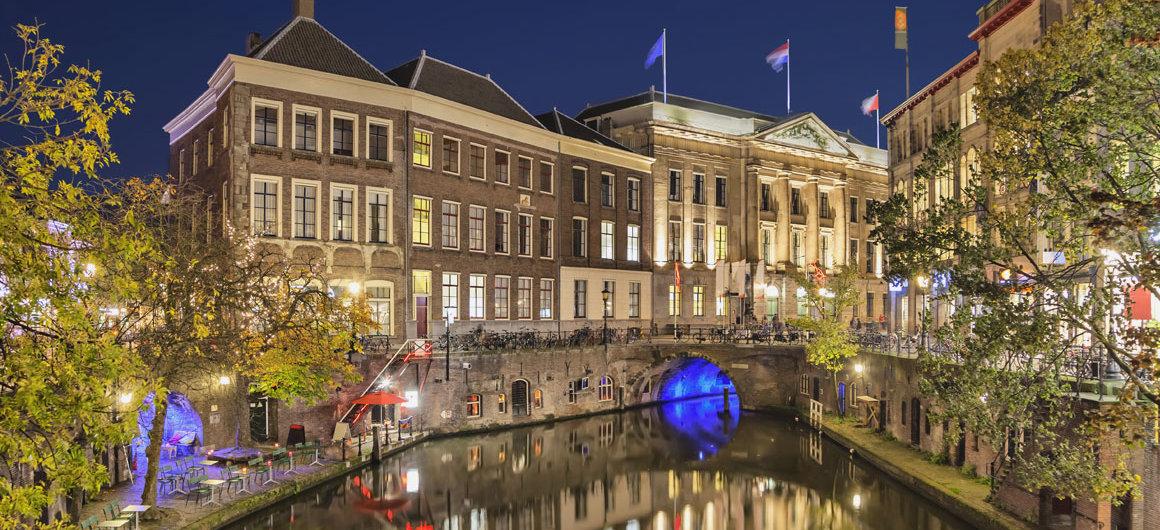 El Canal de noche en Utrecht