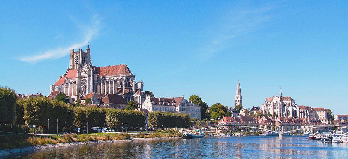Vista desde el río en Auxerre