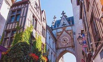 Torre del reloj en Auxerre