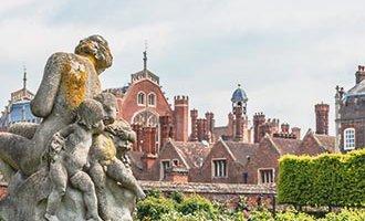 Escultura en el Palacio de Hampton Court